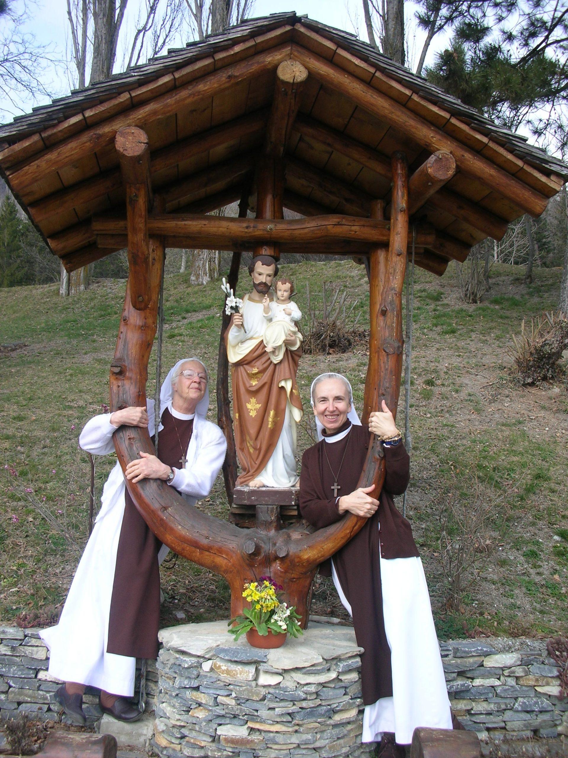 s. Faustyna i s. Olga ze św. Józefem, naszym patronem, który troszczy się o nasze potrzeby materialne